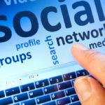 """Don Federico e i social: quando Internet aiuta a portare """"frammenti di bene"""""""